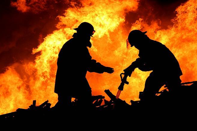 Пожарные в работе
