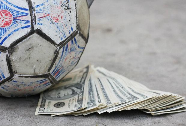 Зарплата футболистов