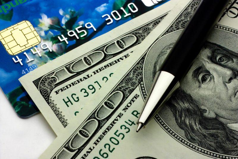 Обслуживание кредитных и дебетовых карт