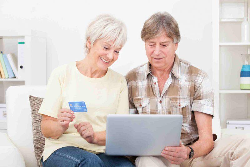Пенсионеры с кредитной картой Сбербанка