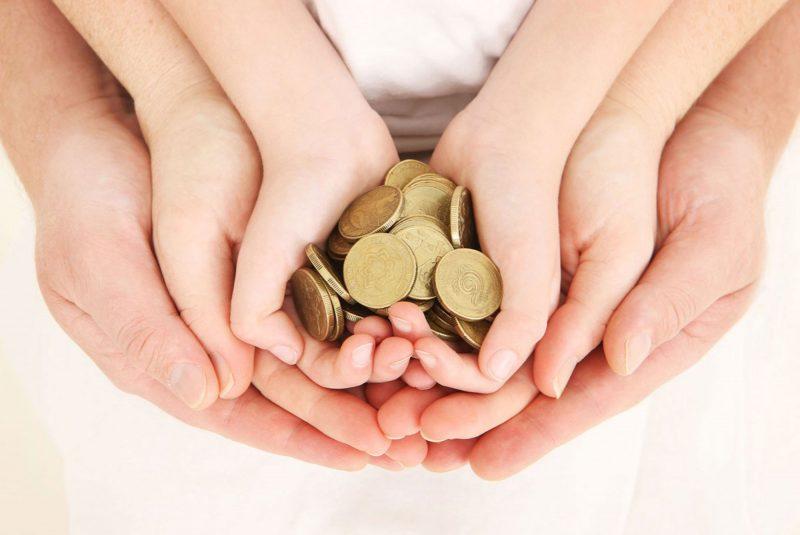 Монетки в руках