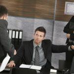 Работодатель выгоняет работника