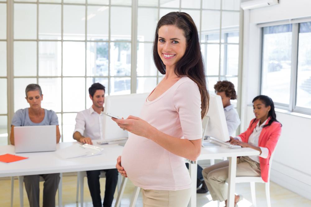 Будущая мама на работе