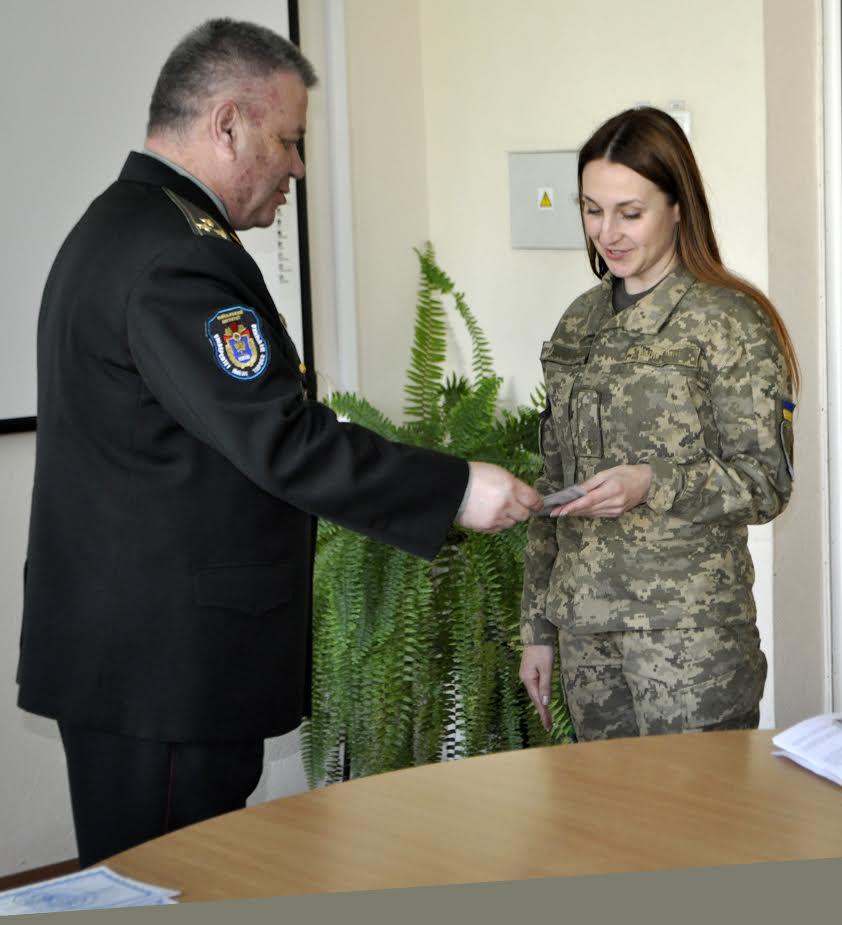 Девушка и командир